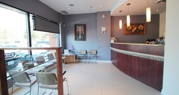 Reception waiting area - Erkim Dental Clinic